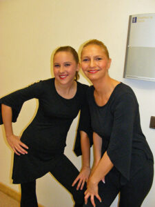 Lisa Slany, Tanzschülerin (l., mit Mama)